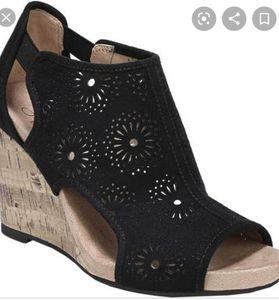 Life Stride wedge heels